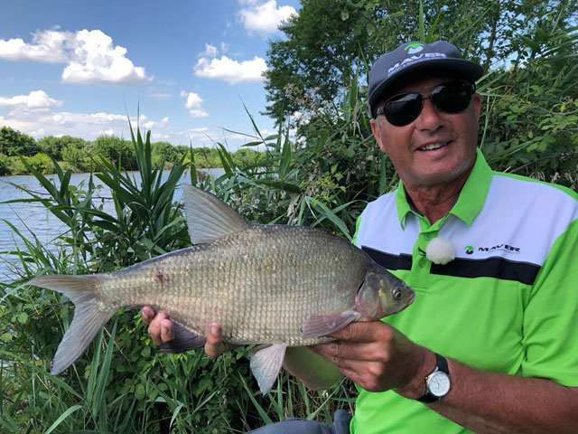 Tommy with a typical Ostellato Canal bream